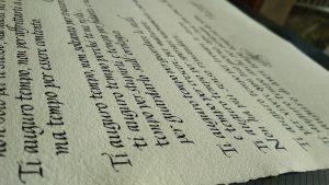 pergamena realizzata in corsivo
