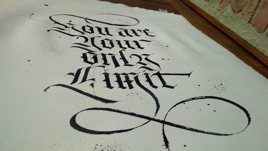 carattere gotico calligrafia